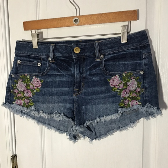 American Eagle Outfitters Pants - American Eagle Floral Festival Shortie Size 8